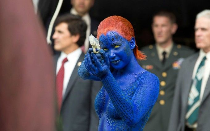X-Men-Days-of-Future-Past-Mystique-with-water-pistol-680x425